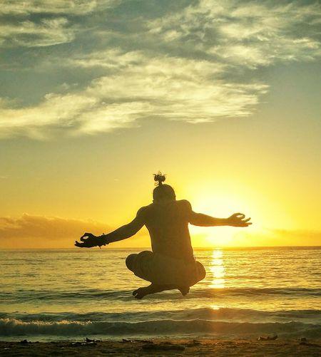 Sky above me, Earth below me, Fire within me.. Meditation Meditate Levitation Levitate Jumpshot Jumpshots Beach Wave Sky Sunrise Sunrise_sunsets_aroundworld Sunrise_Collection Alternative Fitness Showcase April Samsungphotography The Essence Of Summer