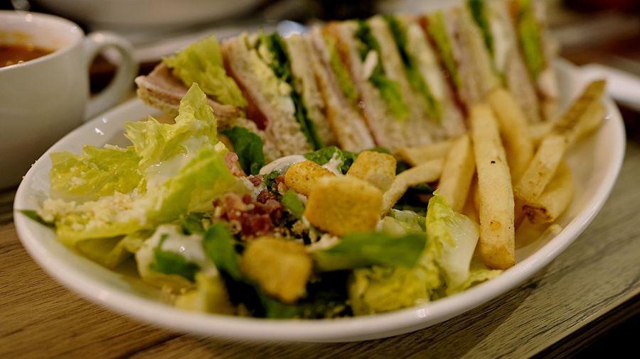 eat green HongKong Discoverhongkong Leica Leicaq Food Food Porn EyeEm Best Shots Eyeemphotography EyeEm Best Edits Sandwiches Salad Frenchfries 香港 ライカ ふーど