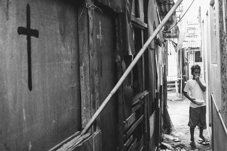 © Frederick Deserva Eye4photography  EyeemPhilippines Manila Manila Street Food  Philippines Street Photography Streetphotography Tabingkalye The Street Photographer - 2017 EyeEm Awards