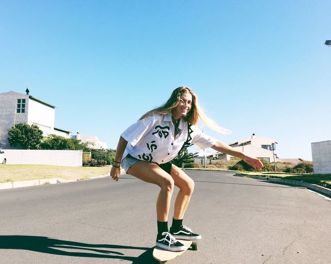 Shaka bra 🤙🏽☀️🍃 Happiness Full Length Skateboard Lifestyles Mid-air One Person City Building Exterior Real People Built Structure Leisure Activity Outdoors Jumping Skateboard Park Day Young Adult Motion Architecture Bmx Cycling Portrait Portrait Of A Woman People Women
