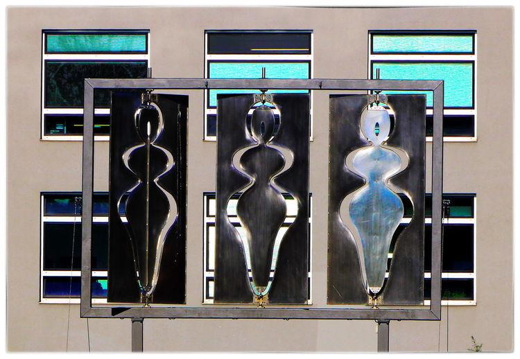 👤 Skulptur an der alten Malzfabrik 👥 Berliner Ansichten Berlin Photography Art Metalsculpture Architecture Art And Craft Built Structure Close-up Creativity Day Display Female Likeness Glass - Material History Human Representation Indoors  Museum No People Representation Technology The Past Wall - Building Feature Urban Scene Sculpted Sculpture