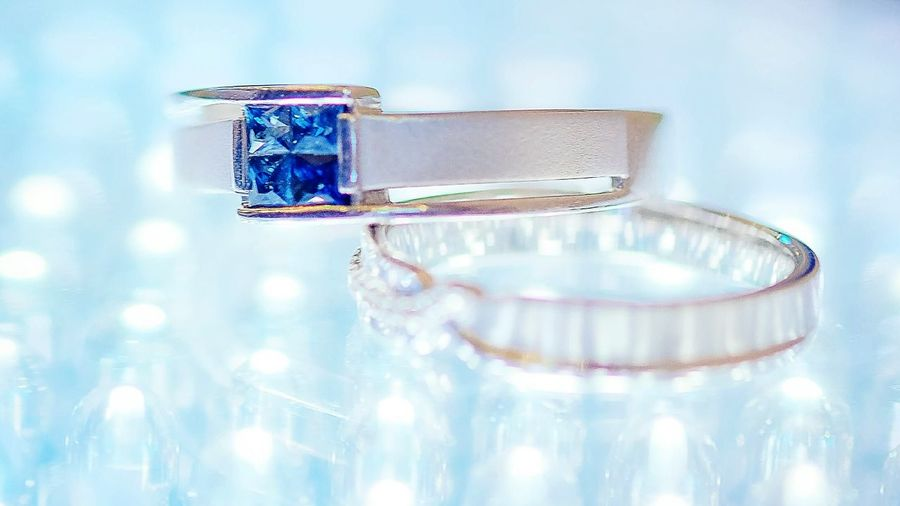 Couple Ring Rings 💍 Rings♥ Ring And Light Ring Jewelry Diamond Ring Luxury Wedding Indoors  Blue Close-up Perfume Sprayer Wealth Perfume