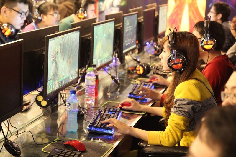 Asian Girl Cafe Internet Dota 2 Gamer Girlgamer Girls