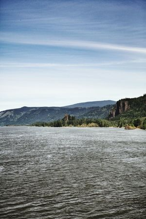 No People Outdoors Tranquility Mountain Nature Day Landscape Lake Scenics Beach Sky Beauty In Nature Water Tree Oregon Oregon Beauty Riverscape River View Willamette River  WillametteRiver Willamette