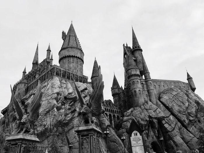 Hogwarts Architecture Statue Harrypotter Universal Studios  Universal Studios Hollywood Sky