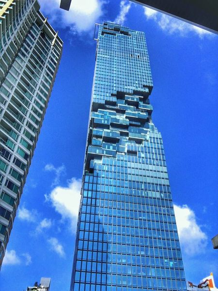 Into sky Skyscraper Architecture Modern Low Angle View Building Exterior Sky Cloud - Sky Built Structure Blue City Cityscape Tower Outdoors EyeEm Gallery EyeEmBestPics EyeEm Selects Eyeemphoto