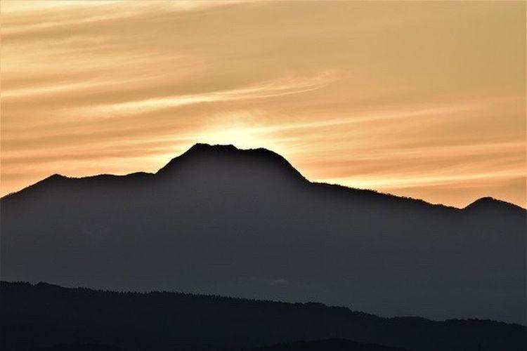 妙高山がカッコいい。 Blues 妙高山 日本百名山 Sunset 君と見たい空 お前とは遊ばない 腰抜けチャリンコ野郎 悪男 金玉会