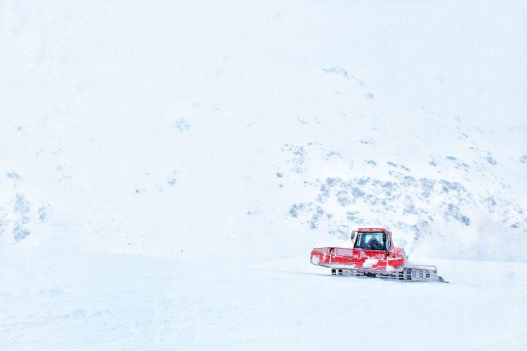 Astrology Sign Rafting Iceberg - Ice Formation Moored Snow Covered Boat Iceberg Iceland Polar Climate Aurora Polaris Wake - Water Antarctica Arctic Frozen Water Speedboat Jet Boat Fjord Polar Bear Penguin Lagoon
