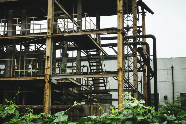 Architecture Built Structure Business Finance And Industry Industry Building Exterior Steel Factory No People Outdoors Golf Club Day Metal Industry Sky Greenhouse