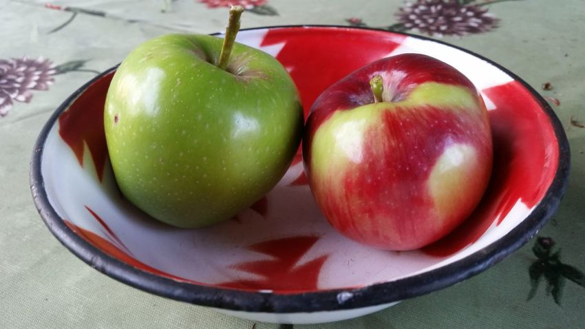 Two Apples Red Apple Green Apple Red And Green Apples Apples In A Cup Table Colorful