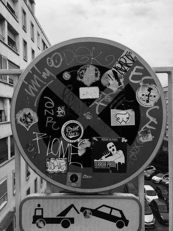 🚏🚗⁉️ No People Architecture Day Indoors  Close-up Clock Clock Face Interdiction Urban UrbanART Graffiti Art Urban Lifestyle Tag Urban Landscape Urban Photography Urban Monochrome Monochrome Photography Mono
