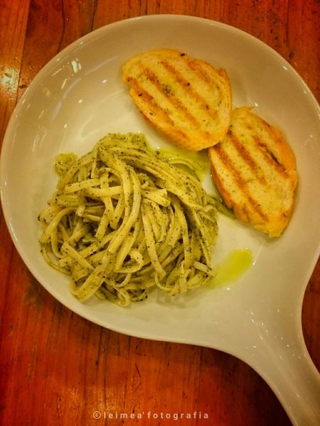 So good Linguine in Pasta Sauce! Linguinepasta Toastedbread Loveit Musttry  Foodpic Blogger A Taste Of Life Photography Leimeafotografia Eyeem Philippines