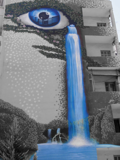 Crying Curtain Graffiti Street Art Tears Wall Wall Wall - Building Feature Waterfall For David Bowie