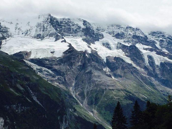 Murren, switzerland. 上雪山时下雨,好冷… #Switzerland #view #snow