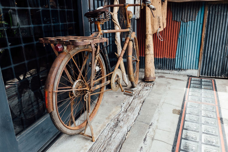 Vintage bicycle Rust Rustic Vintage Bicycles Abandoned Bicycle Bicycles Bicycling Bycicle Metal No People Old Bicycle Old Bicycle Left To Get Rusty Old-fashioned Outdoors Recycle Recycled Recycling Rustic Beauty Rustic Style Rusty Street Streetphotography Vintage Vintage Bicycle Vintage Bycicle