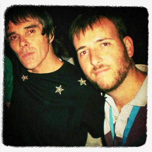 Con Ian Brown