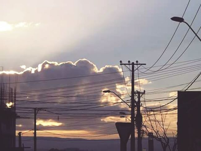 Buenos días Sunshine Sky Collection I Hate Ht Clouds Clouds And Sky Morning Rituals Morning Sky Gold Sky
