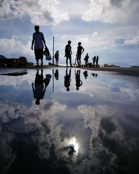 Reflection Cloud - Sky Sky Water Outdoors Large Group Of People Real People Adventure People VSCO Travel Sunshine Streetphotography Sea And Sky Photojournalism Relaxing Nature Leisure Activity HongKong Golden Hour Lifestyles Love Care Mother Son Blackandwhite Travel Friendship Beauty In Nature After Raining