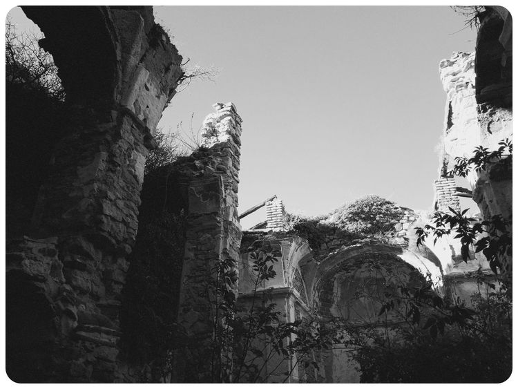 Black and white haunted Sabbaths... Mobilephotography Samsungphotography A5 Blackandwhite Monochromatic Monochrome World Kultcamera Decay Abandoned Decadence Explorer Lofiphotography Haunted Places Urbexphotography Church Low Angle View