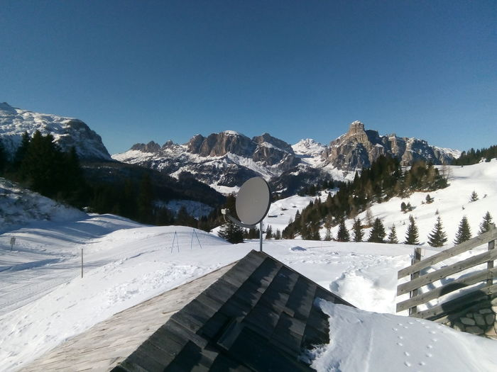 Montagne delle Dolomiti (6) Dolomites, Italy Ski Holiday Tree Snow Mountain Cold Temperature Winter Sky