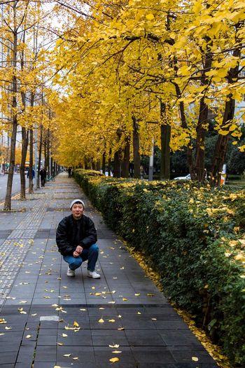 2018-12-09 Plant Tree Autumn Full Length One Person Leisure Activity Real People