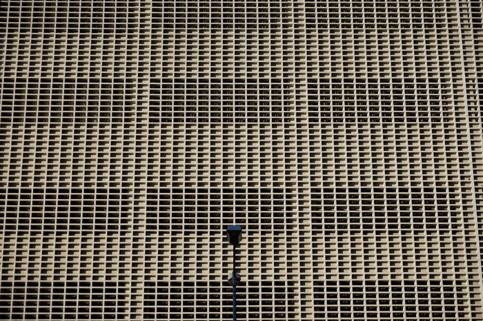 Minimalist Architecture Pattern Full Frame Textured  Backgrounds Close-up No People Outdoors Day Street Photography Streetphotography Modern Architecture Architecturephotography Architecturelovers Minimalism Architecture Residential Building Moderndesign Built Structure Modern Lookingup Patterns Low Angle View Building Exterior