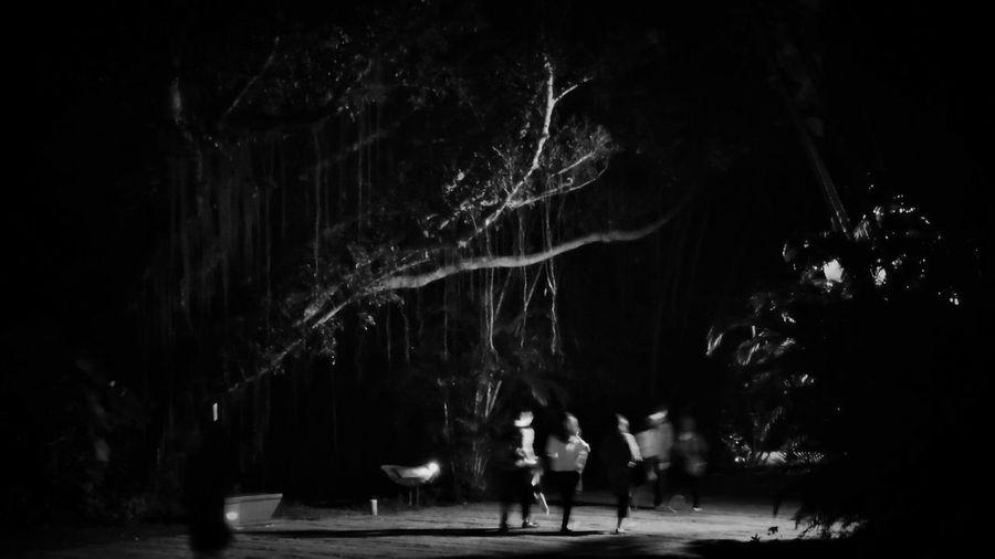 2018/3/16 街拍獵影 於松山文創園區 Dark shawdows park Taiwan bw bw_lover BW_photography b&w photo b&w bw photography b&w photography bwphotography streetphotography street street photography streetphoto_bw street scene b&w street photogra Dark Shawdows Park Taiwan Bw Bw_lover BW_photography B&w Photo B&w Bw Photography B&w Photography Bwphotography Streetphotography Street Street Photography Streetphoto_bw Street Scene Streetphotography_bw Nightlife Night Nightphotography Full Length Togetherness EyeEmNewHere