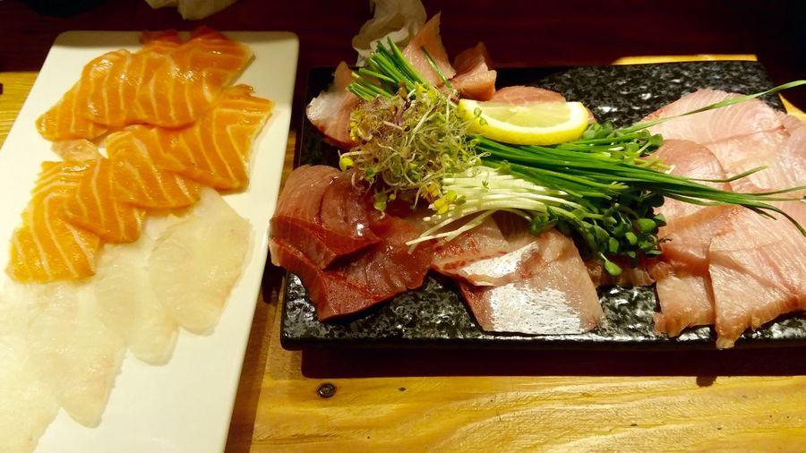 Hello World Sashimi  Sliced Raw Fish Flatfish Japanese Food Food Foodporn Foodphotography Enjoying Life J.light