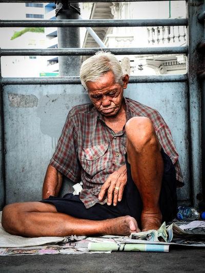 #Bangkok #people #poverty #sleep #streetphotography #Thailand Men