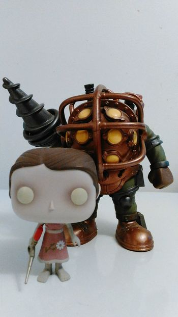 Studio Shot White Background Indoors  Day Bigdaddy Littlesister Bioshock Bioshock2 Amazing In Front Of Funkopopvinyl Popfunko Dontmesswoththen Looking At Camera Funko PopFigures Front View People Videogame  Herprotector Studio Photography Studio Time  Rare Sculpture Focus On Foreground