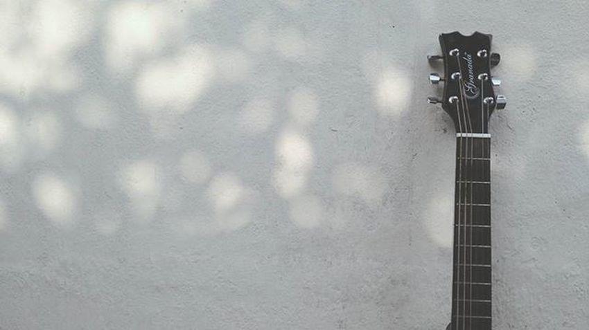 Music everywhere 🎵 Guitar Music Instapic Instadaily Instalike