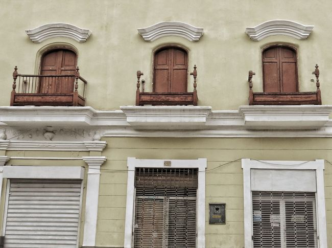 Window Residential Building Architecture Building Exterior Built Structure Balcony Window Box Railing Townhouse Building Exterior Historic Historic Building Closed Door Residential Structure Row House