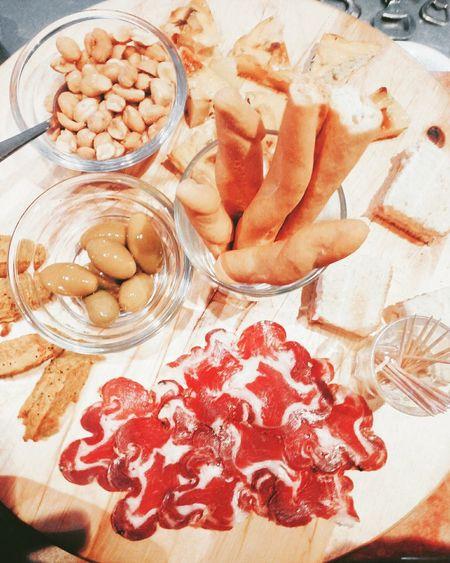 Aperitivo😃🕔 #aperitivo #stuzzichini #mangiare #cibo #Comer #aperitif #Heat #happyhours #aperitif