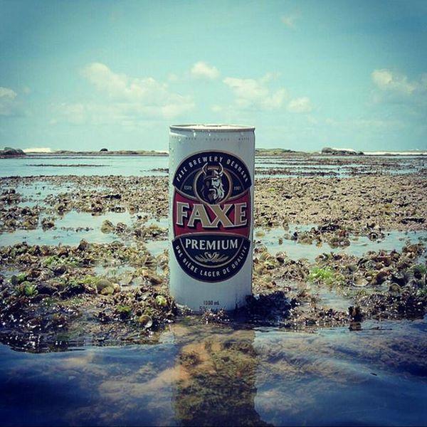 🍺 Faxe Premium 🍺 FaxePremiumé uma lager clássica com um sabor suave e característico. A combinação dos melhores do malte, lúpulo e água naturais resultam em umaCerveja encorpada e ao mesmo tempo, agradavelmente suave. FaxeBryggeri A/S é uma cervejaria da Dinamarca, localizada na cidade de Fakse. A cervejaria foi fundada em 1901 e é mais conhecida pelas suas cervejas com alto teor alcóolico. Atualmente aFaxeé vendida em 16 países. País: Dinamarca Graduação alcoólica: 5,0% Faxe Faxepremium Lager 9ninebeers Cheers Cerveja Beers Beergarden  Beeradvocate Beerlove Craftbeer Pivo Beerpics Beerlife Beergasm Beersnob Cerveza Craftbrew Birra Instabeer Instacerveja Beerstagram Craftbeerlife Cervejaartesanal Beergeek beertimebeertographybeerpornbeernerdbeeroftheday