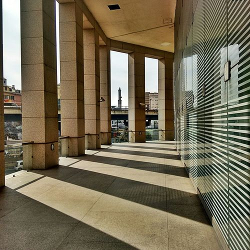 Light And Shadow Lanterna Di Genova