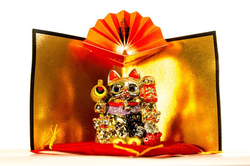 Byobu Cat Close-up Cultures Cushion Fan Fortune Gold Gold Screen Happiness Happy Image Japanese  Japanese Culture Maneki-neko Money New Year Around The World Objects Praying Red Selective Focus Shine Still Life White Background Zabuton