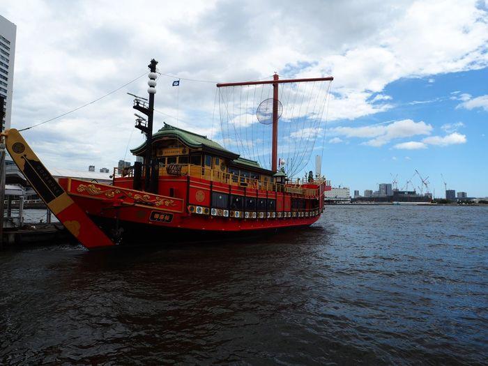 ホントはこっちに乗ります🤥 Olympus OM-D E-M5 Mk.II Harbor Cruise Ship Nautical Vessel Cloud - Sky Sky Water Transportation Mode Of Transportation Nature Ship Sea Waterfront Built Structure