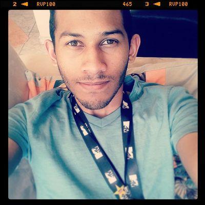 Feliz Selfie Bomdia Happy animado MtvBrasil telecine filme cinema em casa agora depois do dia de trabalho HboFamily