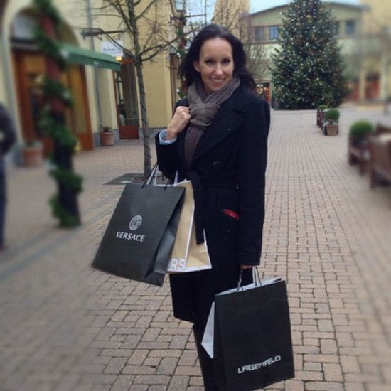 Pre-Christmas #Shopping WertheimVillage with #snow - gifts for friends (and me) - had fun at #versace #lagerfeld #michaelkors and #wolford Model Ootdmagazine Snow Fashionblogger_de Cute Outlet Fashion Lagerfeld Christmas Xmas Style Woman Shopping Mood Face Bags Me Ootd Beautiful Versace Look Season  Winter Michaelkors Holiday Wertheim Girl Wolford