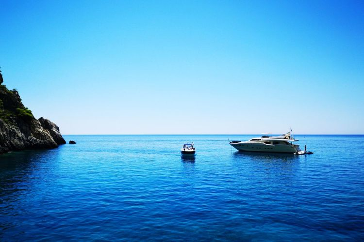 Landscape Greece Huawei Huaweip20pro Water Nautical Vessel Clear Sky Sea Blue Beach Tree Sailing Sunny Rippled Yachting Motorboat Speedboat Seascape