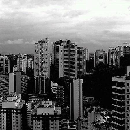 Panoramic Horizon Streetphotography Urban Streetphoto_brasil Blackandwhite City Zonasul Morumbi Saopaulo Brasil Photograph Super_saopaulo Icu_brazil Ig_mood Saopaulo_originals Saopaulowalk Ig_brazil Sp4you Sp360graus Spdagaroa Mybeautifulsp Splovers Olhar_brasil Olhardesp photography nasruasdesp011 paulistanobw