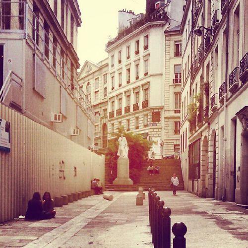 Paris ÉcoleDeMedcin مدرسهء پزشکي پاريس