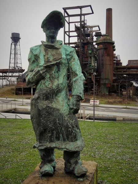 Hösch 2 Adult Day History Industry Industry Iron Manufactoring Iron Producing Memorial One Person Outdoors Steel Worker Steel Works Steelmill Technical Monument Urban Skyline