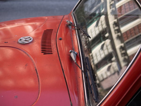 Summer in the City #car #City #käfer #vehicle #VW #Window Close-up Day