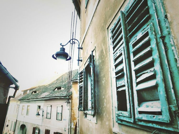 Built Structure Low Angle View No People City Architecture Building Exterior Outdoors Bulding Window Old Arhitecture Oldcity Narrow Street Sibiu Sibiu, Romania Sibiu Romania Romania Ardeal Transilvania, Romania Transilvania