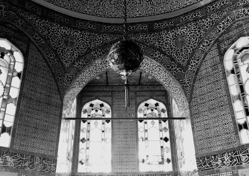 Symmetry. Topkapi Palace Windows History Istanbul Turkey EyeEm Best Shots EyeEmNewHere EyeEm Selects Blackandwhite Blackandwhite Built Structure Architecture Arch Building Low Angle View Building Exterior No People Religion The Past Belief History Spirituality Window Day Ceiling Architectural Column