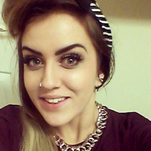 Lasty Saturdaynight Girls Pinup Retrôhair bumperbangs victoryroll selfie
