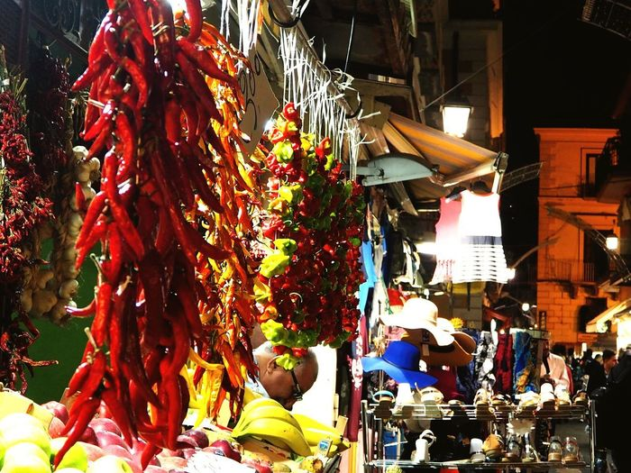 Sorrento, Nightlife Street Light Chili Pepper Colour