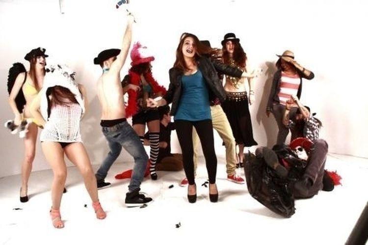 Harlem Shake Costume Music Video Popular