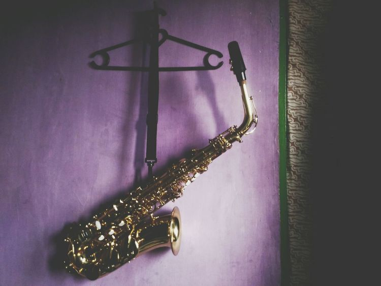 Alto Saxophone Instrument Musical Instrument Purple Hanging No People Saxophone Indoors  Gold Close-up Jazz Music Day BatikIndonesia Saxofone🎷 Garut INDONESIA